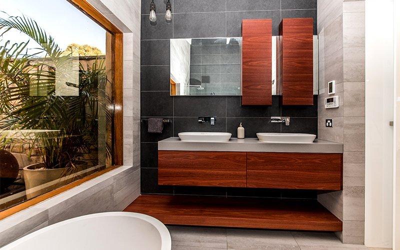 atrium view bathroom