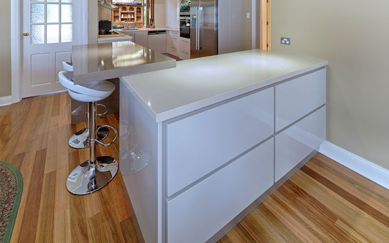 push drawers in kitchen