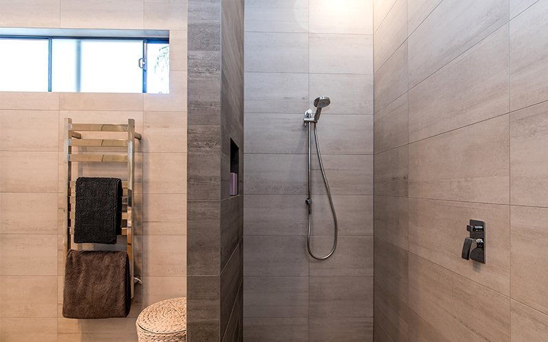 floor to ceiling tiles in shower