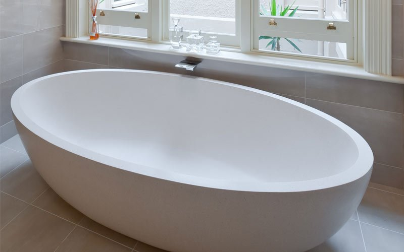 free standing bath-tub